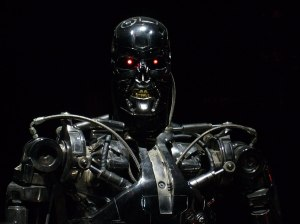 1024px-Terminator_Exhibition_T-800_-_Menacing_looking_shoot
